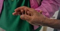 Unção dos Enfermos - A comunidade reza por seus doentes